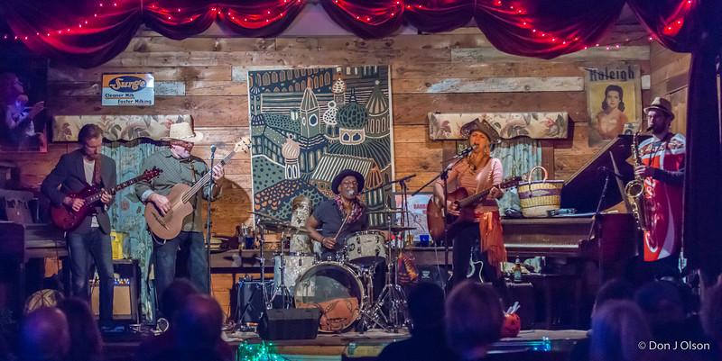 Barb Meyer Band @ Oak Center General Store
