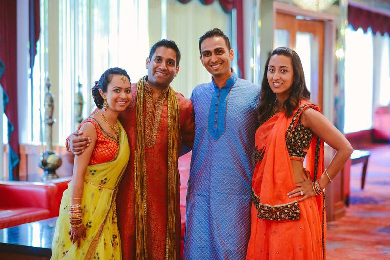 Charmi & Abhi Garba (58 of 578).jpg