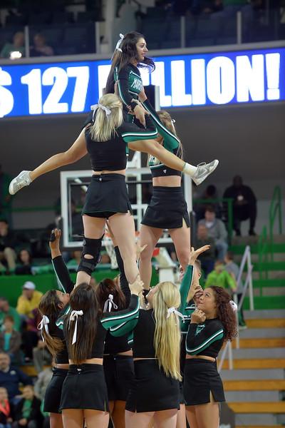 cheerleaders4051.jpg