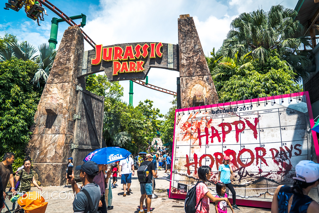Halloween Horror Nights 7 Before Dark 2 Preview Update / Happy Horror Days scare zone entrance overview