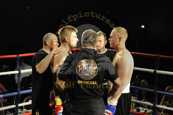 19. Andy Manzolo vs Paul Williams