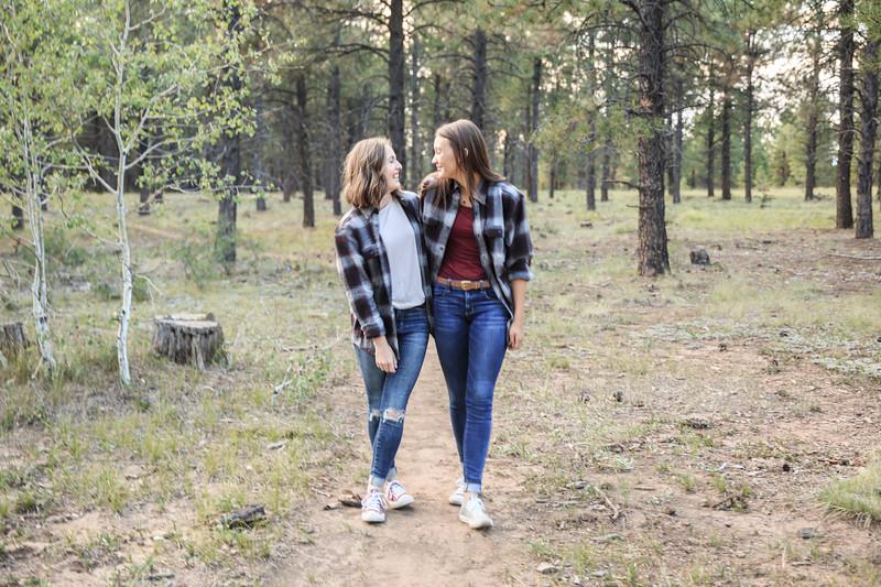 S E N I O R S | Class of 2019 Maddie and Izzy-8.jpg