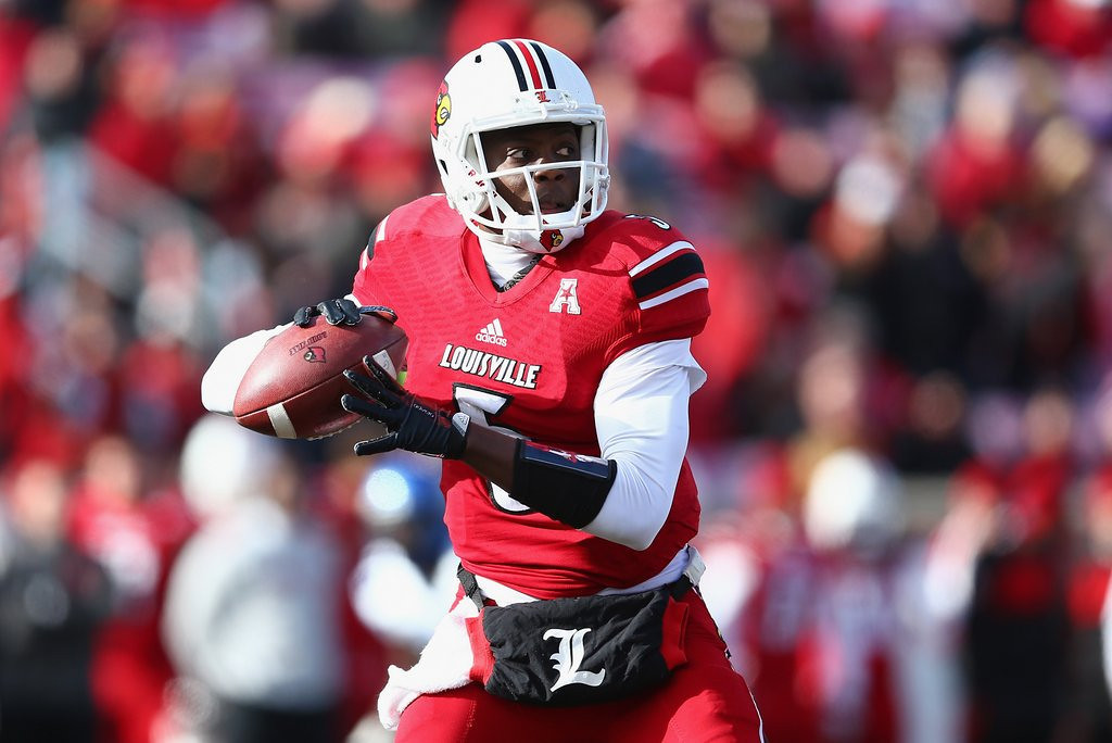 ". <p><b> Louisville�s Teddy Bridgewater had a decidedly mediocre Pro Day workout on Monday, leading to speculation that he might be � </b> <p> A. Available for the Vikings to take with the No. 8 draft pick <p> B. Dropping into the later rounds of the draft <p> C. Mistaken for Jamarcus Russell, Tim Couch and Akili Smith <p><b><a href=\'http://www.twincities.com/sports/ci_25363066/lackluster-pro-day-could-drop-louisville-qb-vikings?source=hottopics\' target=""_blank\"">HUH?</a></b> <p>    (Andy Lyons/Getty Images)"