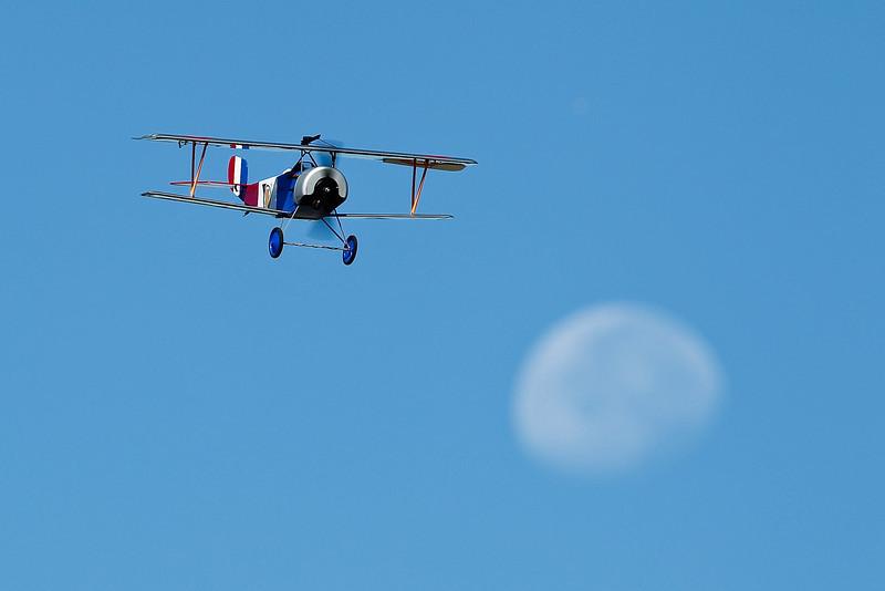 Electrifly_Nieuport17_Moon_42.jpg