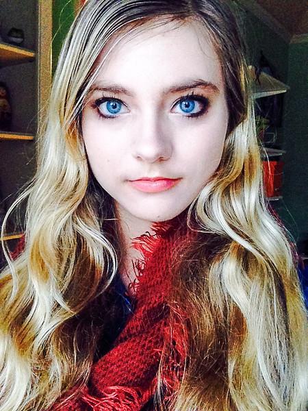 Sapphire Selfie-.jpg