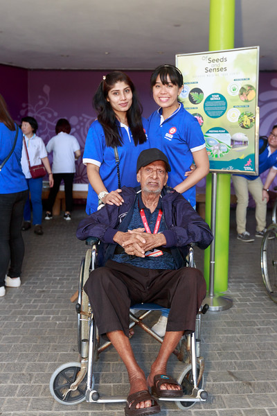 VividSnaps-Extra-Space-Volunteer-Session-with-the-Elderly-143.jpg