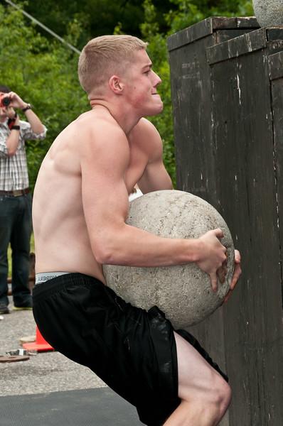 Fitness Revolution Strongman Challenge 2011_ERF4394.jpg