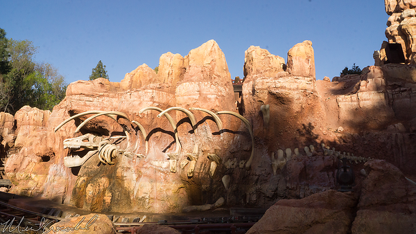 Disneyland Resort, Disneyland, Frontierland, Big Thunder Mountain Railroad, Big Thunder, Star Wars Land, Trail, Jamboree, Construction