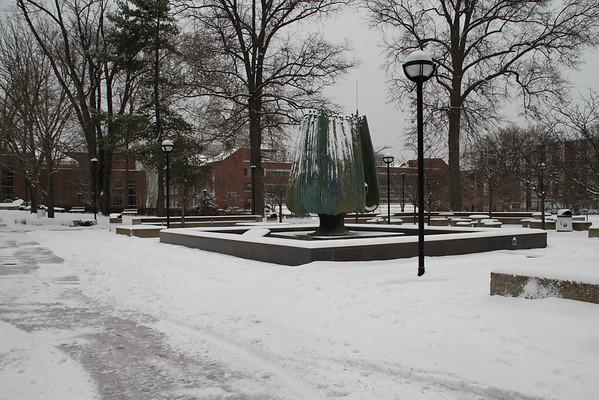 01.16.10 Campus Snow