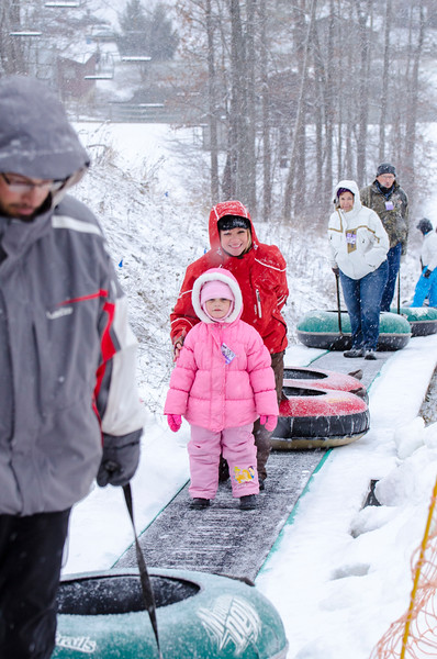 Opening-Day-Tubing-2014_Snow-Trails-71103.jpg
