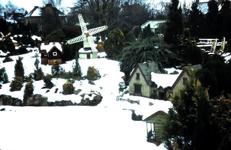 1960-1-17 (4) Model Village @ Beaconsfield, England.JPG