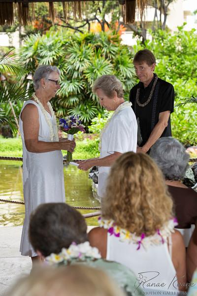 042__Hawaii_Destination_Wedding_Photographer_Ranae_Keane_www.EmotionGalleries.com__141018.jpg