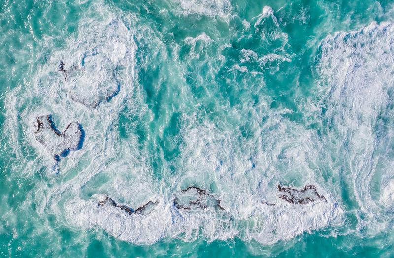 hurricane waves