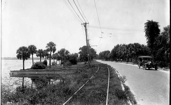 Streetcar-Bayshore-1920s.jpg