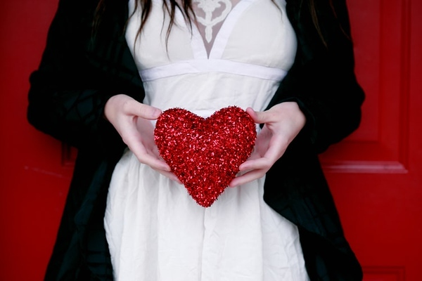 8 Secrets To Giving The Perfect Valentine's Gift