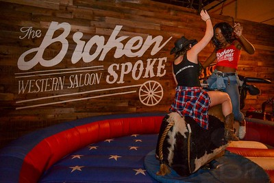 The Broken Spoke Western Saloon 12.12.15