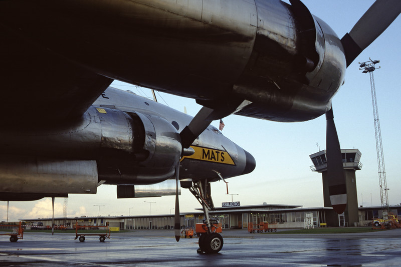 N494TW-LockheedC-121AConstellation-Private-EKEB-1998-08-31-FQ-35-KBVPCollection.jpg