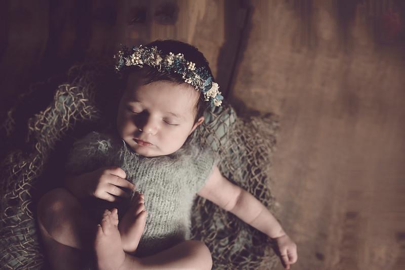 Newborn Lois-2-5.jpg