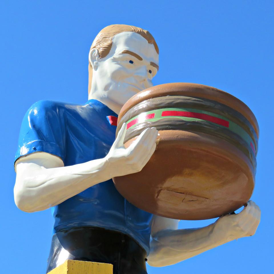 pals sudden service kingsport tennessee muffler man holding a hamburger