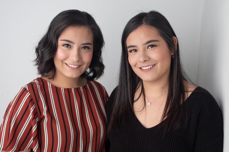 Seniors - Daniela & Mariana Valdez