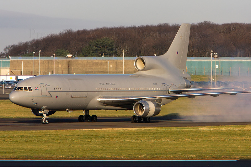 ZD950. Lockheed L-1011-385-3 TriStar KC1. RAF. Prestwick. 291108.