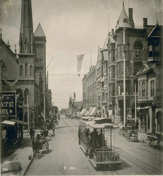 1899-BroadwayLookingSouthFromSecond.jpg
