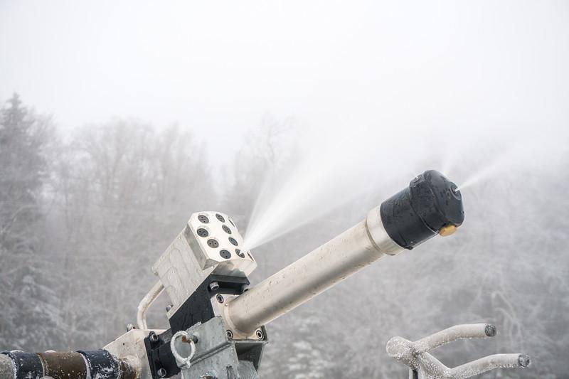 Snowmaking-03378.jpg