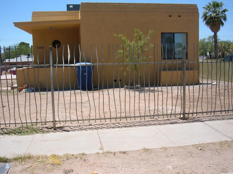 fencing, wavy -casita.JPG