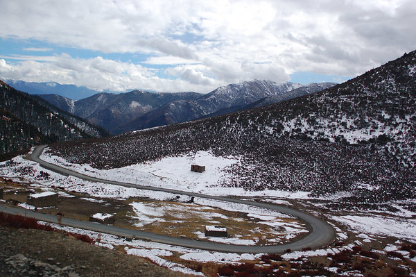 Road from Kangding to Litang