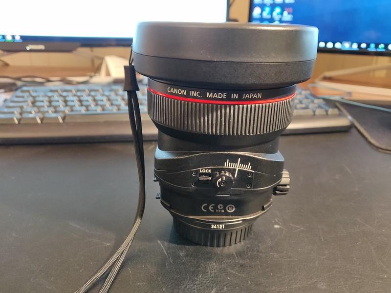 Canon TS-E 17mm 4L Tilt-Shift - Serial UZ0700 002.jpg