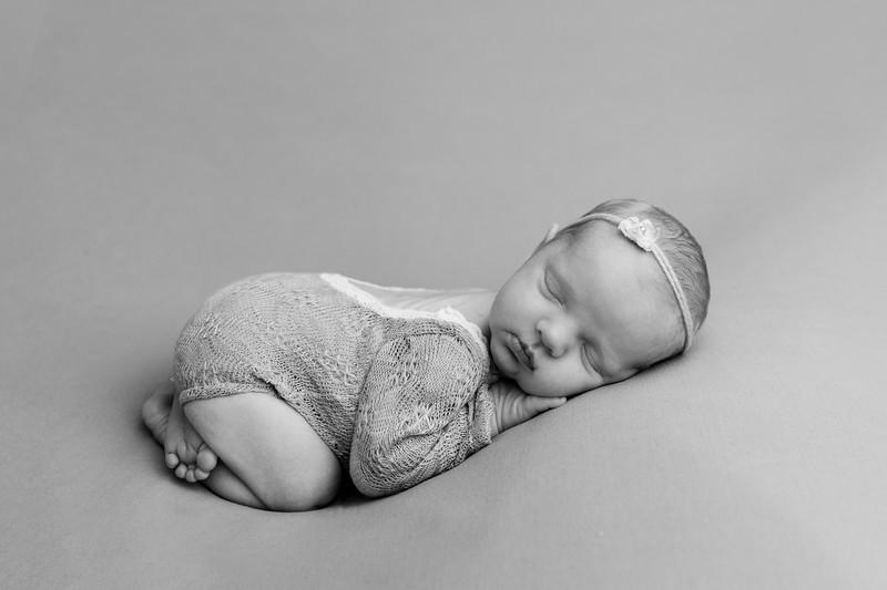 Autumn-Newborn-high-Resolution370A0200-Edit-Edit-2.jpg
