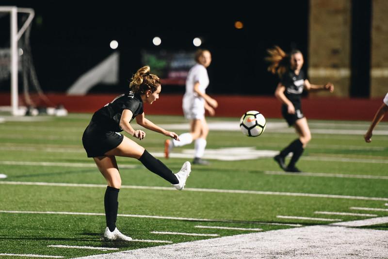 SoccerGirlsVarsity_Jan18_ElainaEich0029.jpg