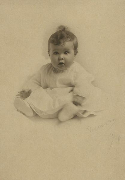 Helen 1916124.jpg