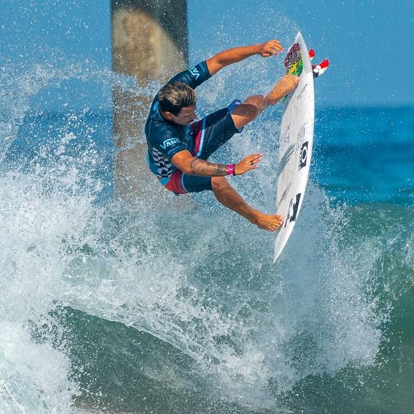 Surfing_Men-1.jpg