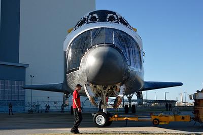 2012-01-20 Atlantis Roll to VAB