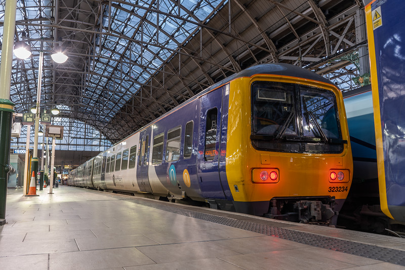 323234 (Northern), Manchester Piccadilly