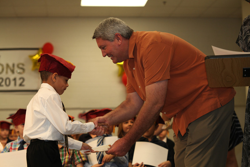 2012May18_MTA Kinder Grad_9739.JPG