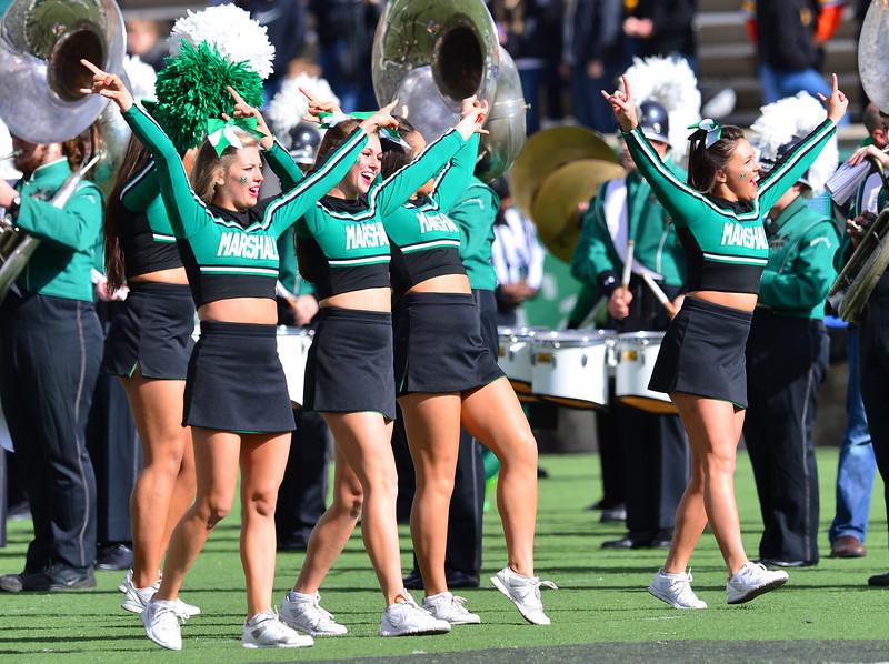cheerleaders2917.jpg