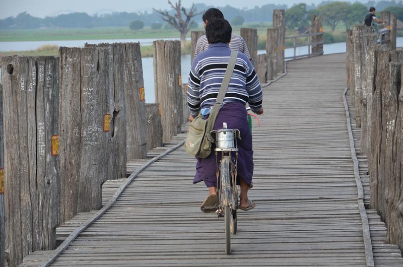 DSC_4983-cyclists.JPG