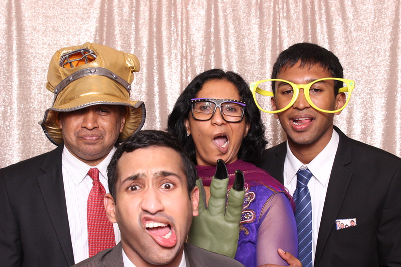 Boothie-PhotoboothRental-PriyaAbe-O-301.jpg