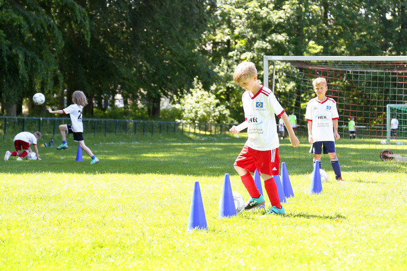 hsv_fussballschule-457_48047997893_o.jpg