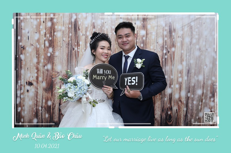 QC-wedding-instant-print-photobooth-Chup-hinh-lay-lien-in-anh-lay-ngay-Tiec-cuoi-WefieBox-Photobooth-Vietnam-cho-thue-photo-booth-001.jpg