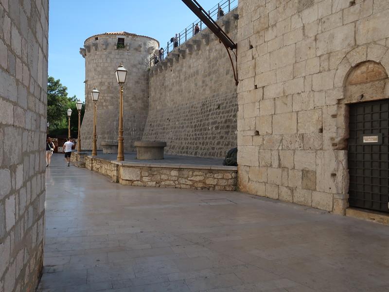 IMG_0976-old-wall.JPG