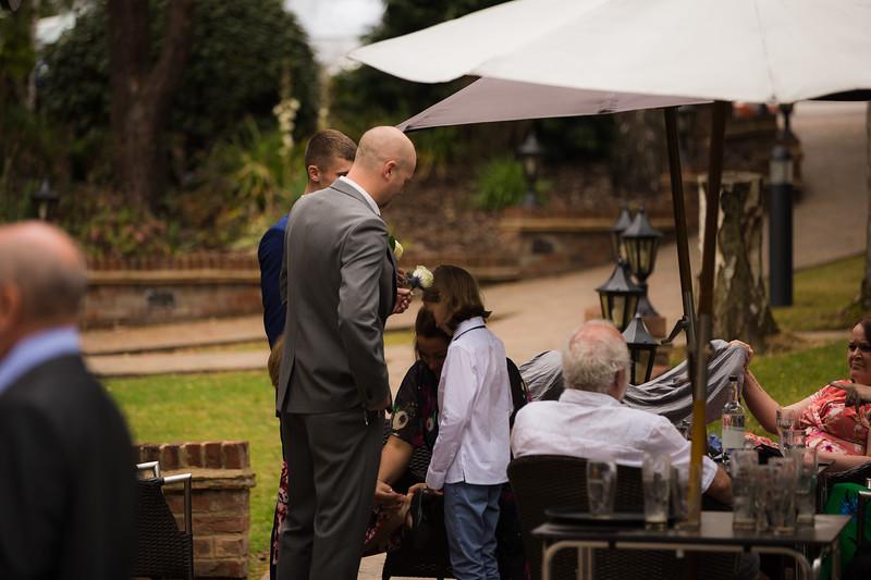 Sam_and_Louisa_wedding_great_hallingbury_manor_hotel_ben_savell_photography-0009.jpg