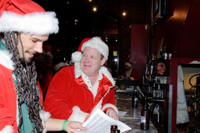 2009 ALS Santa Crawl-14.jpg