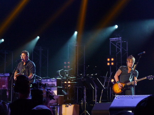 Keith Urban, Vince Gill & Friends ~ We're All For The Hall ~ Nashville, TN ~ 5/6/14