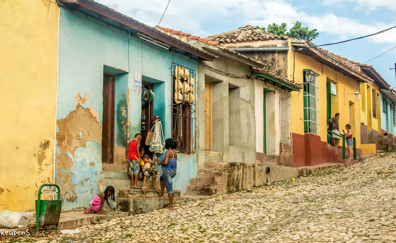 Row houses Trinidad.jpg