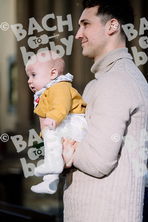 © Bach to Baby 2019_Alejandro Tamagno_Victoria park_2019-12-18 011.jpg