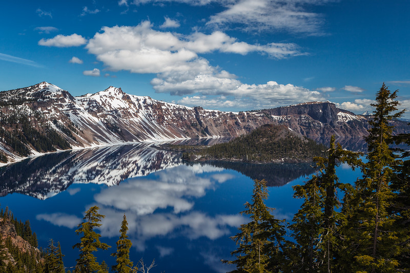 Crater Lake, Crater Lake National Park. Oregon, USA.