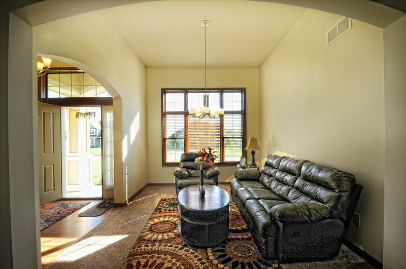 05  FRONT LOUNGE AREA .jpg